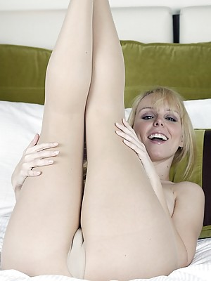 Watch My Wife Get Off In Tight Pantyhose