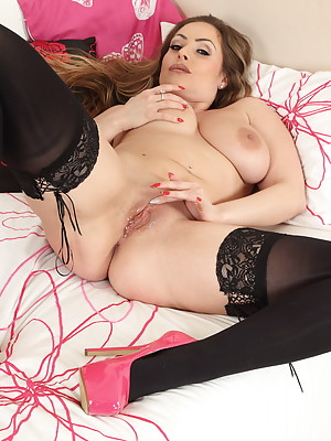 Hot and steamy British MILF playing with herself